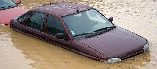 hochwasser wer zahlt den schaden am auto d a s die rechtsschutzmarke der ergo. Black Bedroom Furniture Sets. Home Design Ideas